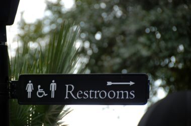 Men and women pee differently